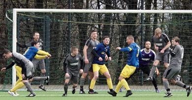 FC Blau – Gelb Überruhr II. – ESG 99 / 06 II. 1 : 3 ( 0 : 1 )