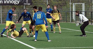 FC Blau – Gelb Überruhr II. – SF Niederwenigern III. 4 : 3 ( 1 : 1 )